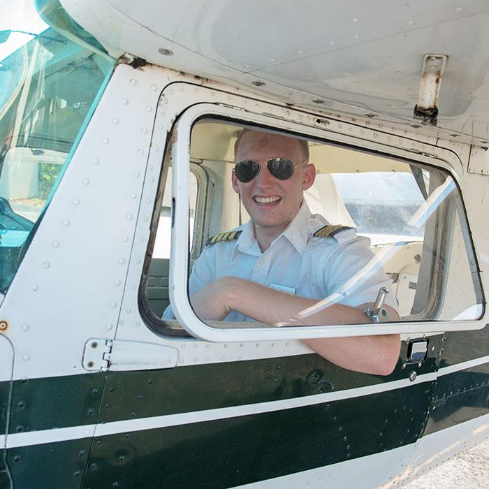What-Do-Aviation-Majors-Make-.jpg